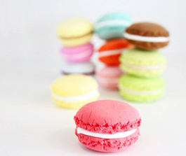 Macaroons-and-Cake.01